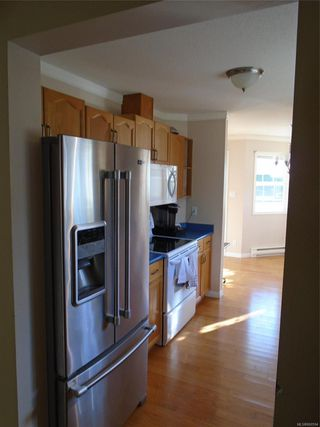 Photo 10: 8 3355 1st St in : CV Cumberland Row/Townhouse for sale (Comox Valley)  : MLS®# 860594