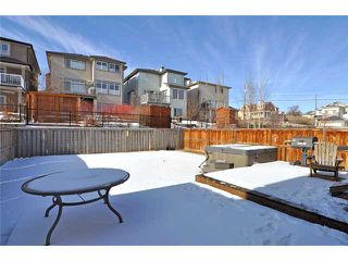 Photo 13: 11 SPRINGBLUFF Boulevard SW in CALGARY: Springbank Hill Residential Detached Single Family for sale (Calgary)  : MLS®# C3508884