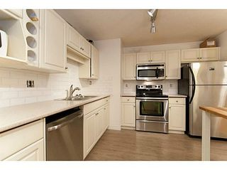 Photo 4: 101 7139 18TH Ave in Burnaby East: Edmonds BE Home for sale ()  : MLS®# V991747