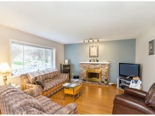 Photo 2: 9143 212TH ST in Langley: Walnut Grove House for sale : MLS®# F1312750