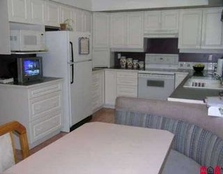"""Photo 4: 11466 ROYAL CR in Surrey: Royal Heights House for sale in """"ROYAL HEIGHTS"""" (North Surrey)  : MLS®# F2614639"""