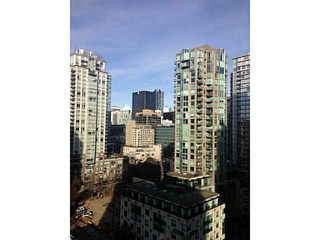 Photo 3: 1805 928 Homer Street in Vancouver: Yaletown Condo for sale (Vancouver West)  : MLS®# V1093631