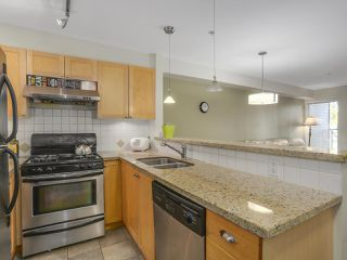 Photo 7: 203 3637 W 17TH AVENUE in Vancouver: Dunbar Condo for sale (Vancouver West)  : MLS®# R2150087