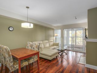 Photo 4: 203 3637 W 17TH AVENUE in Vancouver: Dunbar Condo for sale (Vancouver West)  : MLS®# R2150087