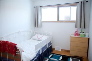 Photo 13: 968 Prince Rupert Avenue in Winnipeg: East Kildonan Residential for sale (3B)  : MLS®# 1930071