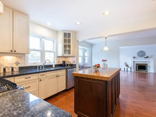 "Photo 9: 3851 W 31ST Avenue in Vancouver: Dunbar House for sale in ""DUNBAR"" (Vancouver West)  : MLS®# R2418706"