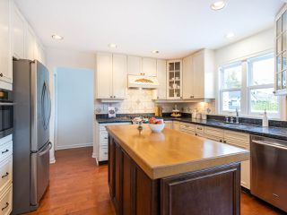 "Photo 8: 3851 W 31ST Avenue in Vancouver: Dunbar House for sale in ""DUNBAR"" (Vancouver West)  : MLS®# R2418706"