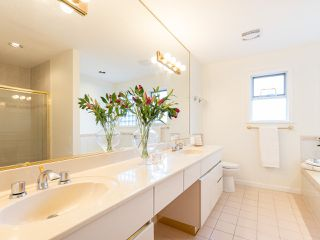 "Photo 15: 3851 W 31ST Avenue in Vancouver: Dunbar House for sale in ""DUNBAR"" (Vancouver West)  : MLS®# R2418706"