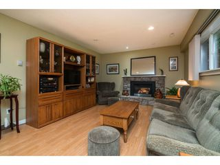 """Photo 13: 4620 209A Street in Langley: Langley City House for sale in """"Uplands"""" : MLS®# R2431570"""