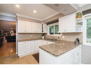 """Photo 6: 4620 209A Street in Langley: Langley City House for sale in """"Uplands"""" : MLS®# R2431570"""