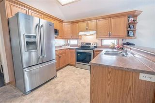 Photo 5: 603 Swailes Avenue in Winnipeg: Old Kildonan Residential for sale (4F)  : MLS®# 202013009