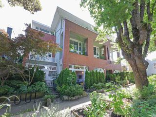 "Main Photo: 103 980 W 22ND Avenue in Vancouver: Cambie Condo for sale in ""SIMON LOFTS"" (Vancouver West)  : MLS®# R2479627"
