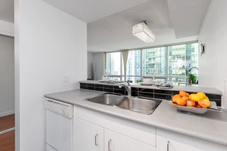 Photo 9: 1603 555 JERVIS STREET in Vancouver: Coal Harbour Condo for sale (Vancouver West)  : MLS®# R2487404