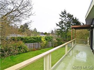 Photo 6: 2426 Evelyn Place in VICTORIA: SE Arbutus Single Family Detached for sale (Saanich East)  : MLS®# 307278