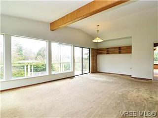 Photo 4: 2426 Evelyn Place in VICTORIA: SE Arbutus Single Family Detached for sale (Saanich East)  : MLS®# 307278