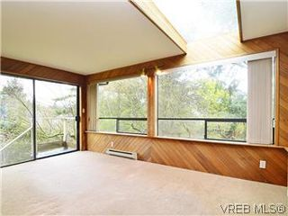 Photo 5: 2426 Evelyn Place in VICTORIA: SE Arbutus Single Family Detached for sale (Saanich East)  : MLS®# 307278