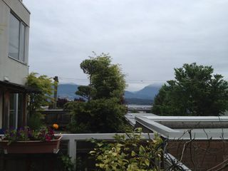 "Photo 4: 311 1978 VINE Street in Vancouver: Kitsilano Condo for sale in ""THE CAPERS BUILDING"" (Vancouver West)  : MLS®# V954905"