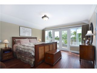 Photo 9: 441 W 16TH Street in North Vancouver: Central Lonsdale House 1/2 Duplex for sale : MLS®# V1007183