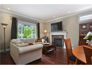 Photo 2: 441 W 16TH Street in North Vancouver: Central Lonsdale House 1/2 Duplex for sale : MLS®# V1007183