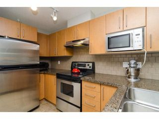 "Photo 11: 304 7330 SALISBURY Avenue in Burnaby: Highgate Condo for sale in ""BOTANICA"" (Burnaby South)  : MLS®# V1078222"