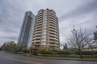 Photo 1: 700 4830 BENNETT STREET in Burnaby: Metrotown Condo for sale (Burnaby South)  : MLS®# R2044239