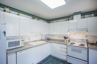 Photo 5: 700 4830 BENNETT STREET in Burnaby: Metrotown Condo for sale (Burnaby South)  : MLS®# R2044239