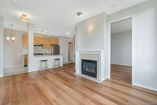Photo 2: 305 7388 SANDBORNE AVENUE in Burnaby: South Slope Condo for sale (Burnaby South)  : MLS®# R2261624