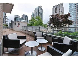 Photo 15: 701 565 SMITHE STREET in Vancouver: Downtown VW Condo for sale (Vancouver West)  : MLS®# R2337864