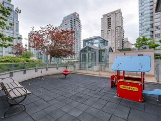 Photo 16: 701 565 SMITHE STREET in Vancouver: Downtown VW Condo for sale (Vancouver West)  : MLS®# R2337864