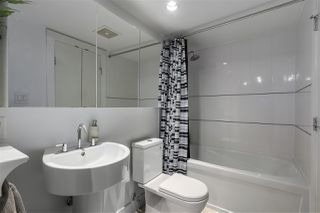 Photo 9: 701 565 SMITHE STREET in Vancouver: Downtown VW Condo for sale (Vancouver West)  : MLS®# R2337864