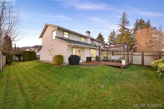 Photo 2: 112 2721 Jacklin Rd in VICTORIA: La Langford Proper Row/Townhouse for sale (Langford)  : MLS®# 832928