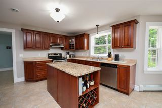 Photo 10: 60 Kenneth Drive in Beaver Bank: 26-Beaverbank, Upper Sackville Residential for sale (Halifax-Dartmouth)  : MLS®# 202011274
