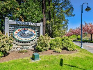 Main Photo: 1392 SATURNA Dr in : PQ Parksville Row/Townhouse for sale (Parksville/Qualicum)  : MLS®# 850868