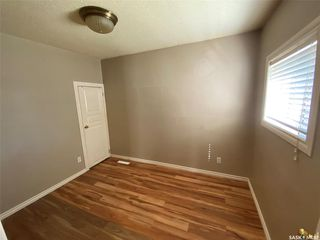 Photo 3: 970 Elphinstone Street in Regina: Washington Park Residential for sale : MLS®# SK821321