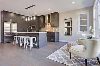 Photo 11: 2102 53 Avenue SW in Calgary: North Glenmore Park Detached for sale : MLS®# A1028710