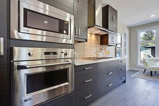 Photo 12: 2102 53 Avenue SW in Calgary: North Glenmore Park Detached for sale : MLS®# A1028710