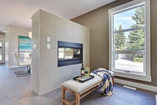 Photo 6: 2102 53 Avenue SW in Calgary: North Glenmore Park Detached for sale : MLS®# A1028710