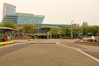 """Photo 25: 1407 13688 100 Avenue in Surrey: Whalley Condo for sale in """"Park Place One"""" (North Surrey)  : MLS®# R2499938"""