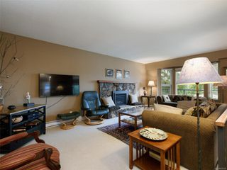 Photo 4: 10446 Resthaven Dr in : Si Sidney North-East House for sale (Sidney)  : MLS®# 855838