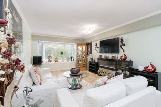 Photo 3: 2792 MCGILL Street in Vancouver: Hastings Sunrise House for sale (Vancouver East)  : MLS®# R2502118