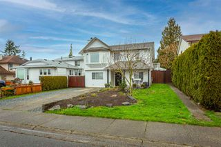 Photo 4: 26593 28 Avenue in Langley: Aldergrove Langley House for sale : MLS®# R2526387