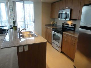 "Photo 10: 1202 1212 HOWE Street in Vancouver: Downtown VW Condo for sale in ""1212 HOWE"" (Vancouver West)  : MLS®# V941923"
