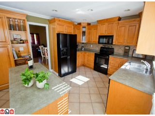 "Photo 3: 8365 167A Street in Surrey: Fleetwood Tynehead House for sale in ""FLEETWOOD"" : MLS®# F1216730"
