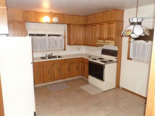 Photo 8: 42 KOWALL Bay in WINNIPEG: Maples / Tyndall Park Residential for sale (North West Winnipeg)  : MLS®# 1302658