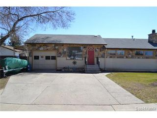 Photo 1: 446 T AVENUE N in Saskatoon: Mount Royal Single Family Dwelling for sale (Saskatoon Area 04)  : MLS®# 461488