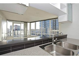Photo 7: # 1802 928 BEATTY ST in Vancouver: Yaletown Condo for sale (Vancouver West)  : MLS®# V1039355