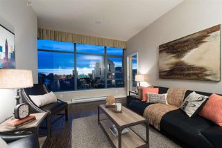 Photo 2: Vancouver West in Fairview VW: Condo for sale : MLS®# R2065861