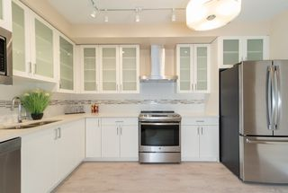 Photo 4: 302 4882 SLOCAN Street in Vancouver: Collingwood VE Condo for sale (Vancouver East)  : MLS®# R2399157