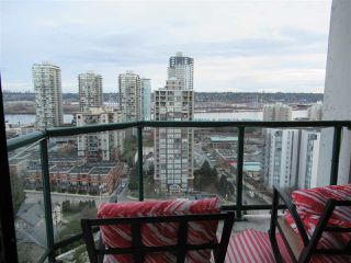"""Photo 17: 1402 121 TENTH Street in New Westminster: Uptown NW Condo for sale in """"Vista Royale"""" : MLS®# R2429371"""