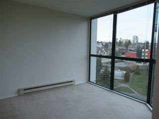 """Photo 8: 1402 121 TENTH Street in New Westminster: Uptown NW Condo for sale in """"Vista Royale"""" : MLS®# R2429371"""